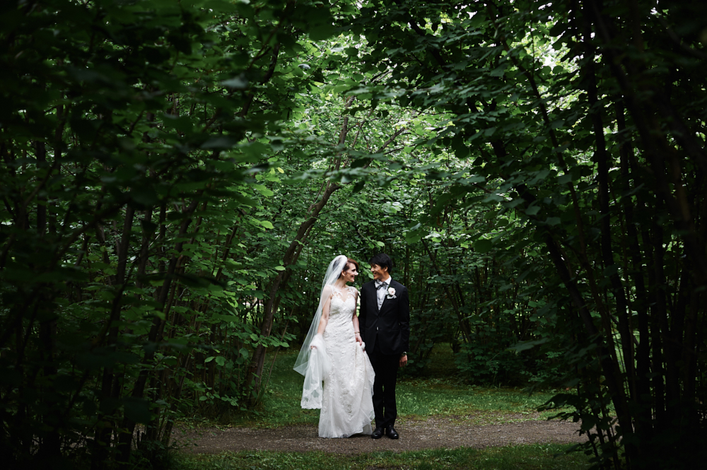 bride and groom portrait in gellatly nut farm