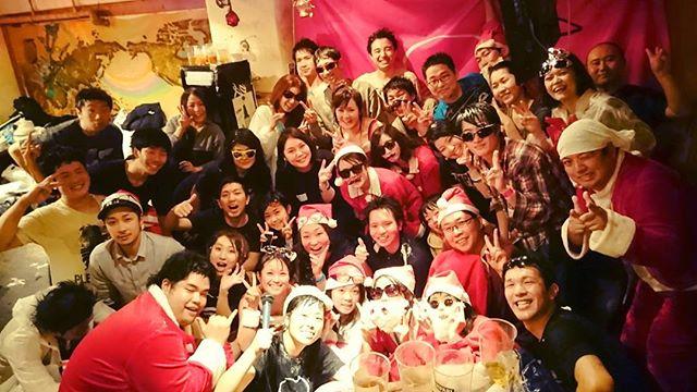 12月24日クリスマスイブは2015年ラストパイファイ!  テレビ取材も入って大盛況でした!! 放送は12月30日TBSあさチャンで朝7:45~ 年末にストレス発散!的なコーナーで流れるそうですので 要チェケ! 人生ではじめてピンマイク装着…! #パイファイ #日本パイ投げ協会