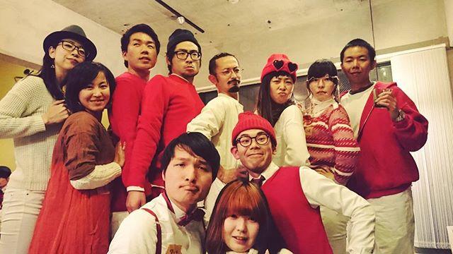年越しはドレスコード紅白が大集合で日本酒祭りin宇都宮 年越す前にみんなベロベロ 激動の2015年 いろんなところでいろんな人に 大変お世話になりました 2016年もどうぞお手柔らかに!