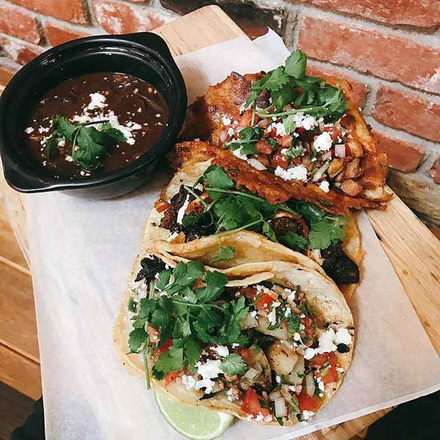 I know you've been lookin' 👀 at my tacos 🌮🌮🌮! #pappasartisanal #laverne #eaterla