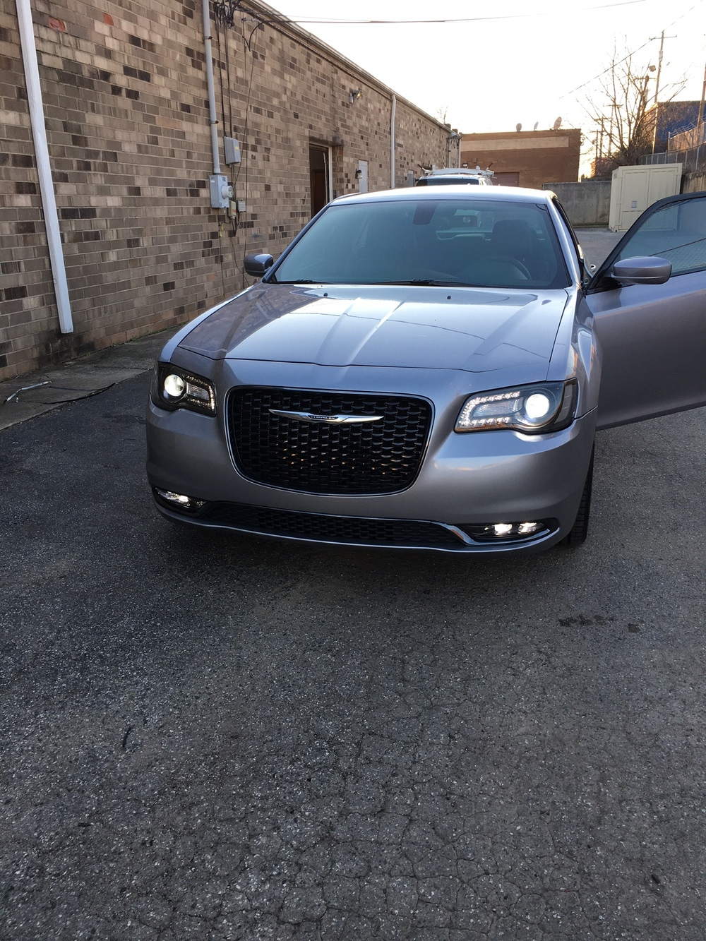 Chrysler 300.JPG