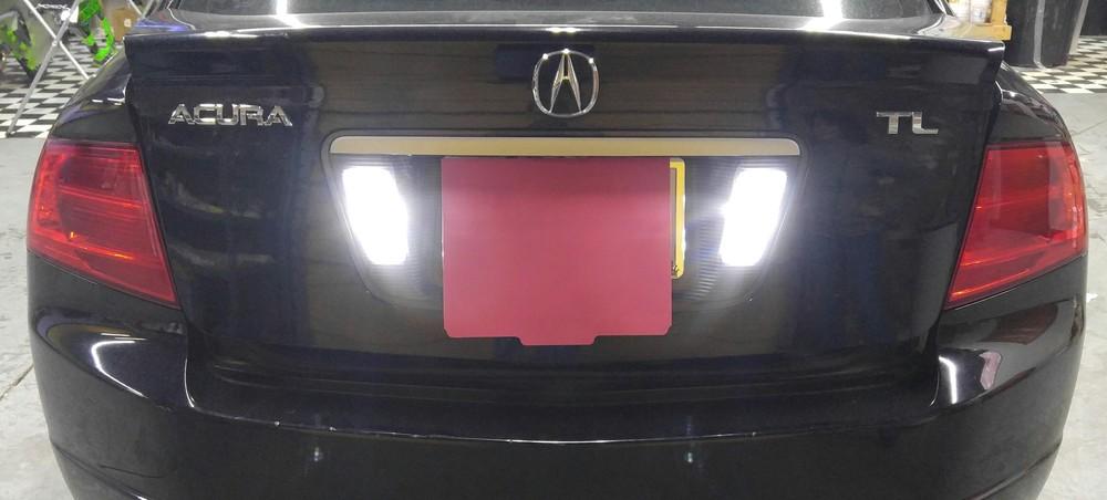 06 Acura TL 1.jpg