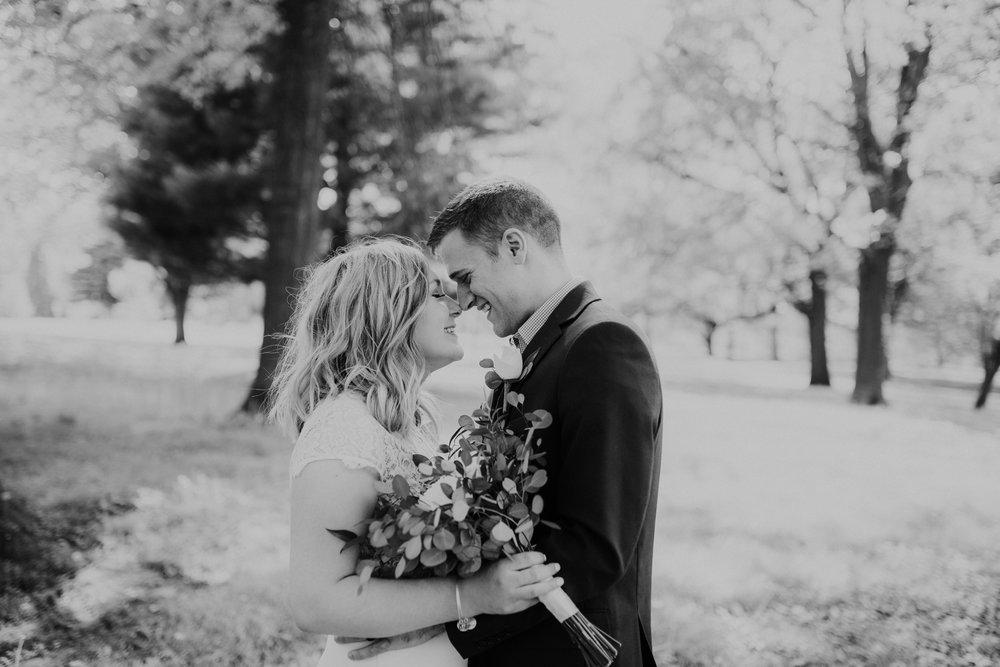 Mr & Mrs Knott-1-362.jpg