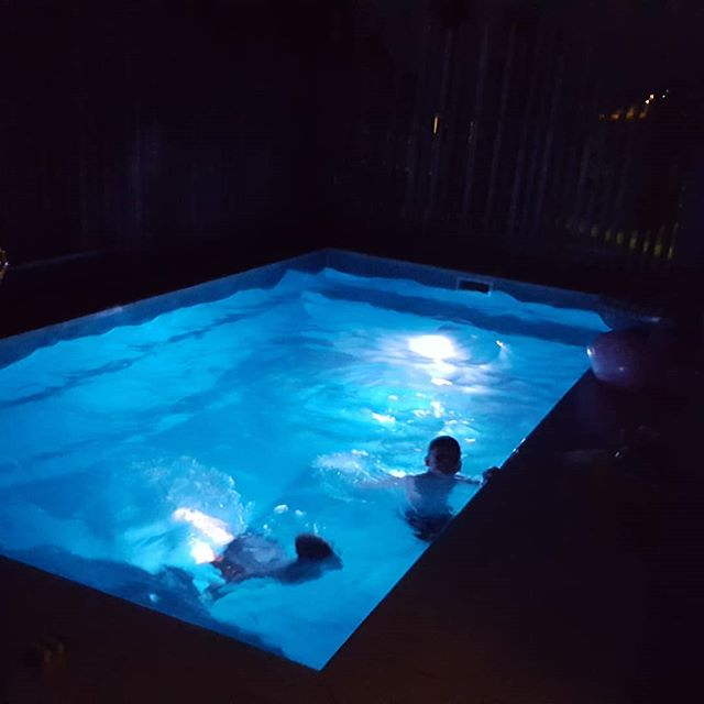 Day 7 of gratitude 👐 Evening. Nothing quiet as serene as an evening swim  #rebelmindgratitude #gratitude #inspireempowercreate