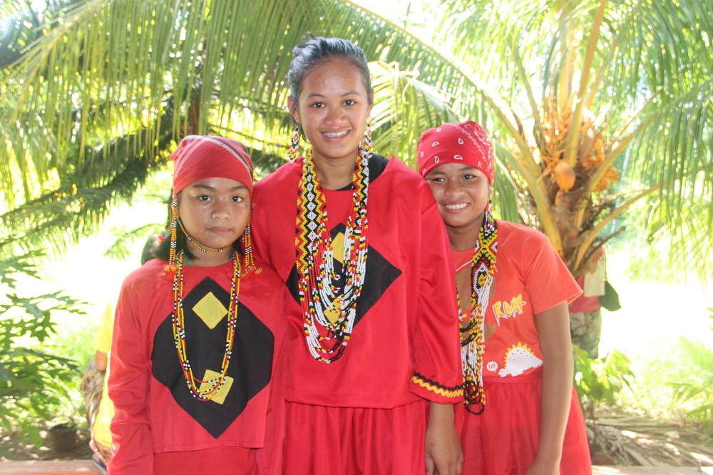 Lumad+Bata.JPG