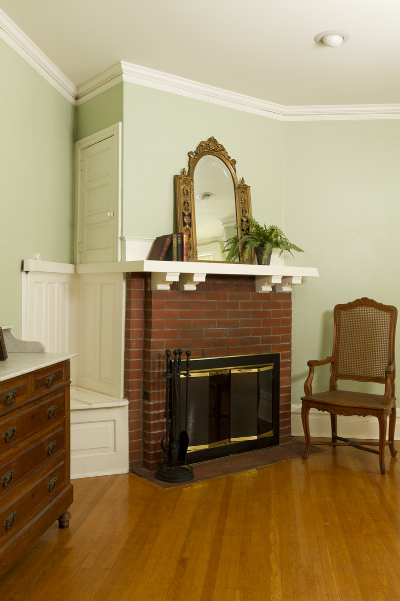 Web_fireplace bedroom.jpg