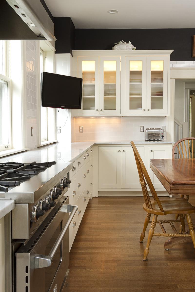Web_kitchen cupboards vert.jpg