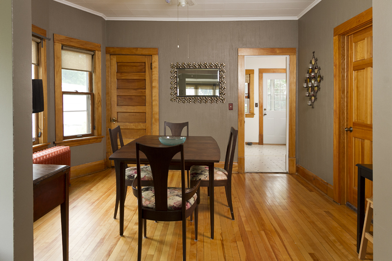 web_dining room to kitchen.jpg