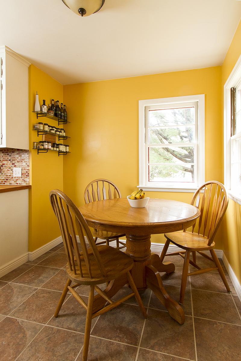 web_informal dining vert.jpg