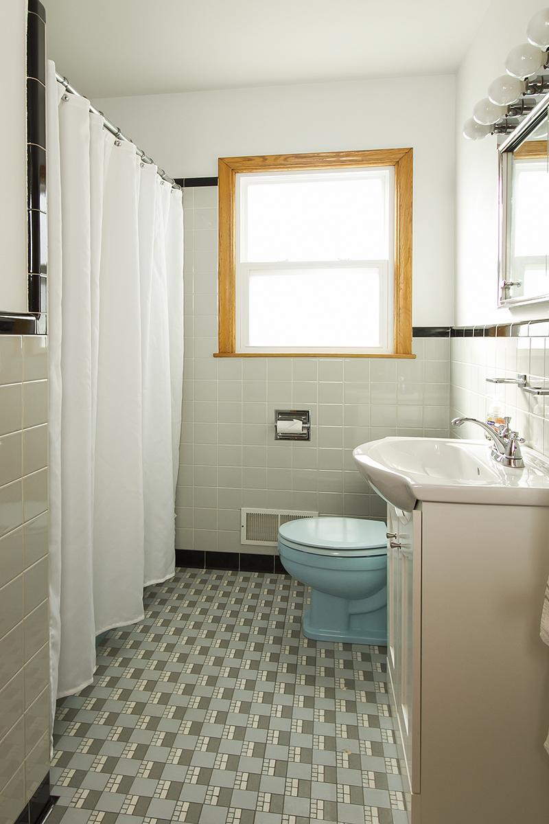 web_bathroom main vert.jpg