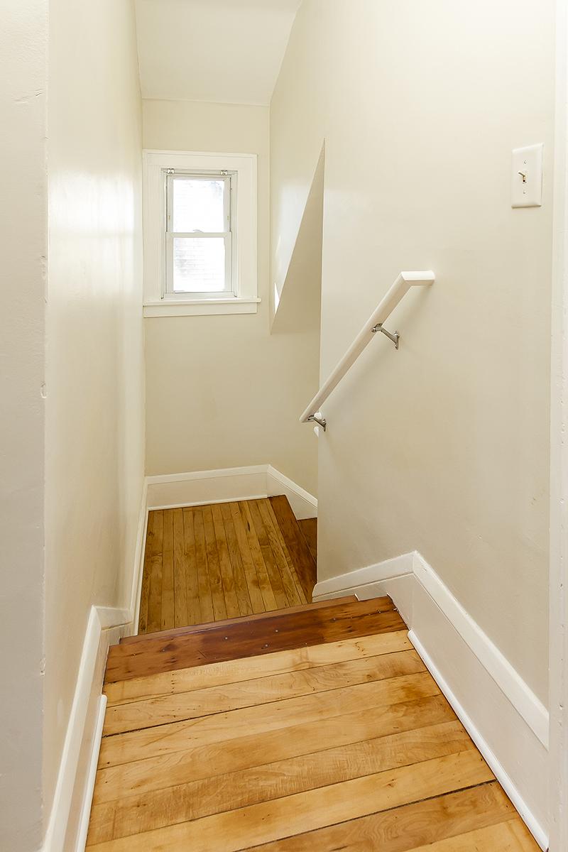 web_staircase landing.jpg