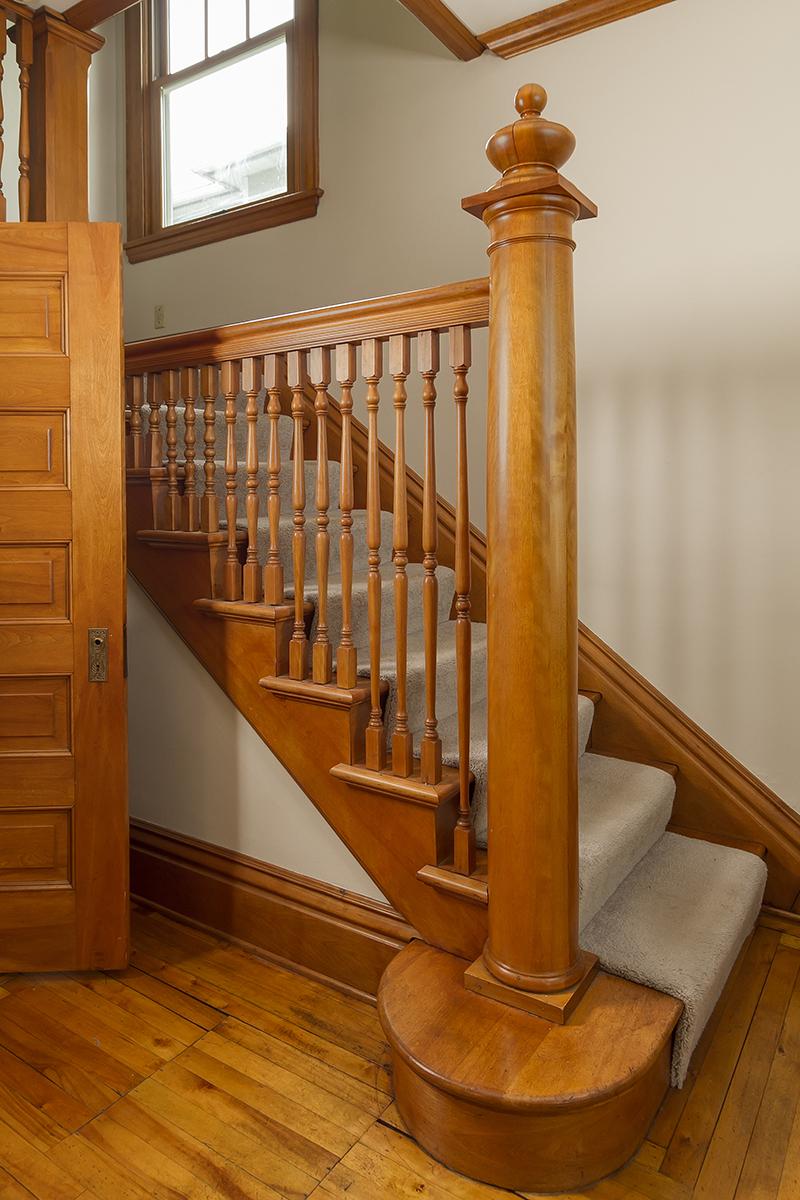 web_staircase.jpg
