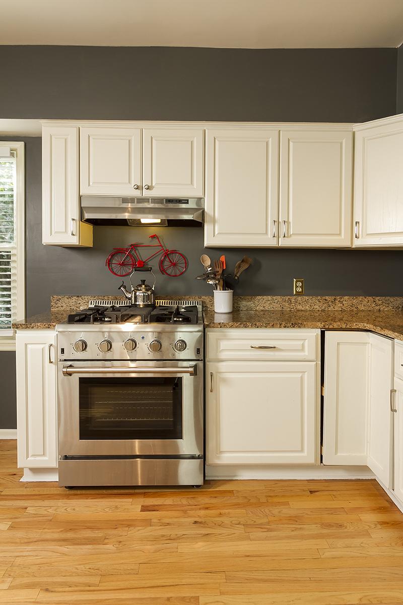 web_kitchen oven.jpg