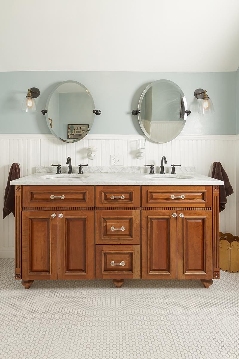 web_bathroom upper sink.jpg