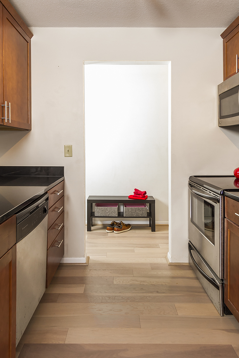 web_kitchen to entry vert.jpg