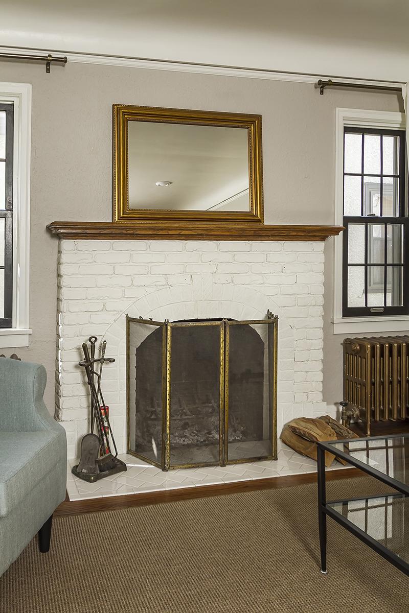 web_living fireplace wide.jpg