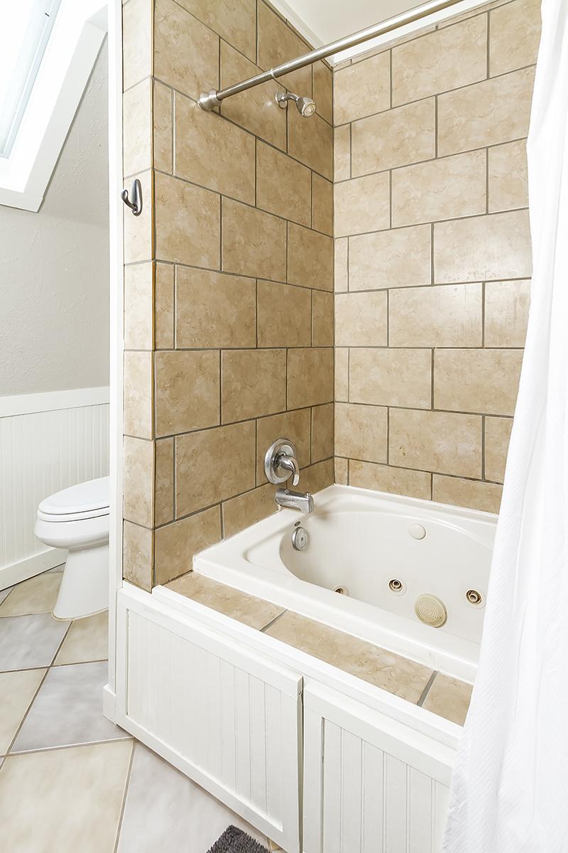 web_bathroom master surround.jpg