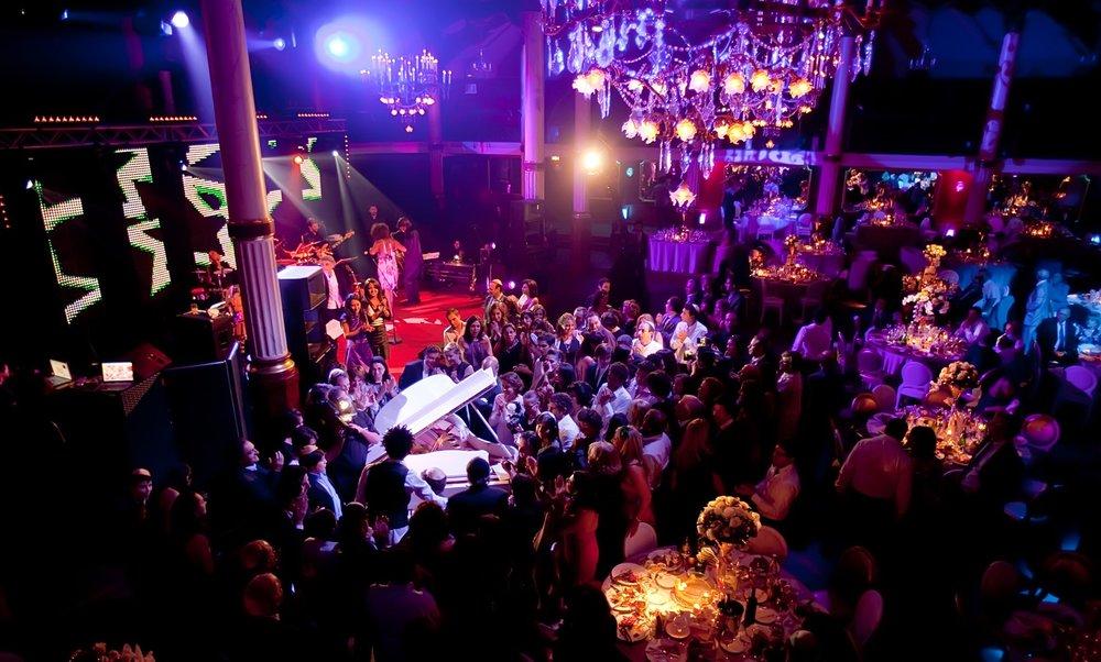 Orchestre Live Paris Groove avec piano à queue