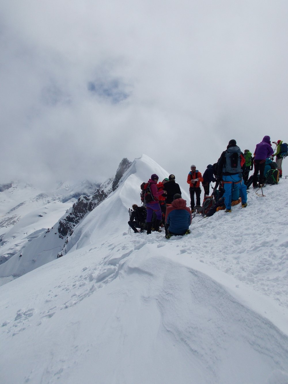 2016-06 EDL - Rope of Solidarity Breithorn reduced size fir OctobreRose CHL_09.JPG