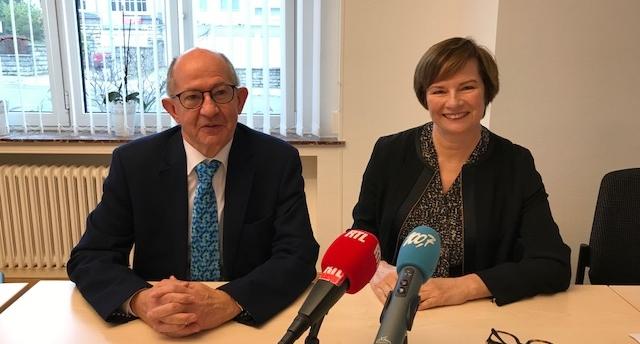Dr Carlo Bock                                          Mme Lucienne Thommes   Président du Conseil d'administration  F.C.                   Directrice  Fondation Cancer