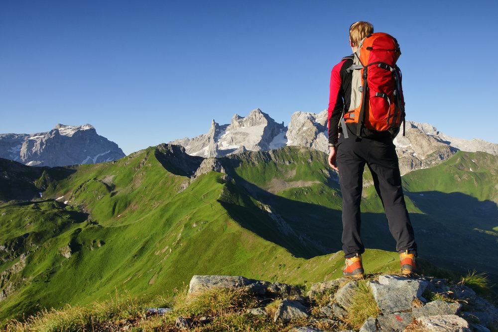 - Pour se plaire davantage, les soins esthétiques sont une vraie bouffée d'oxygène. Lorsqu'une femme se sent jolie, elle peut déplacer des montagnes et elle gagne en assurance.