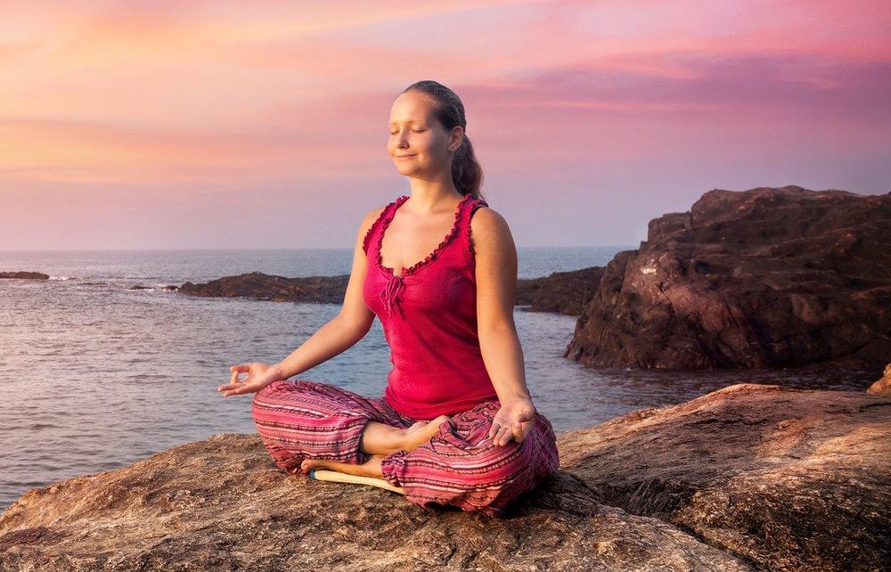 Yoga en plein air… - …devant la maternité à 13:00 , nos tapis roses n'attendront que vous N'oubliez pas votre tenue de sport et boutille d'eau !