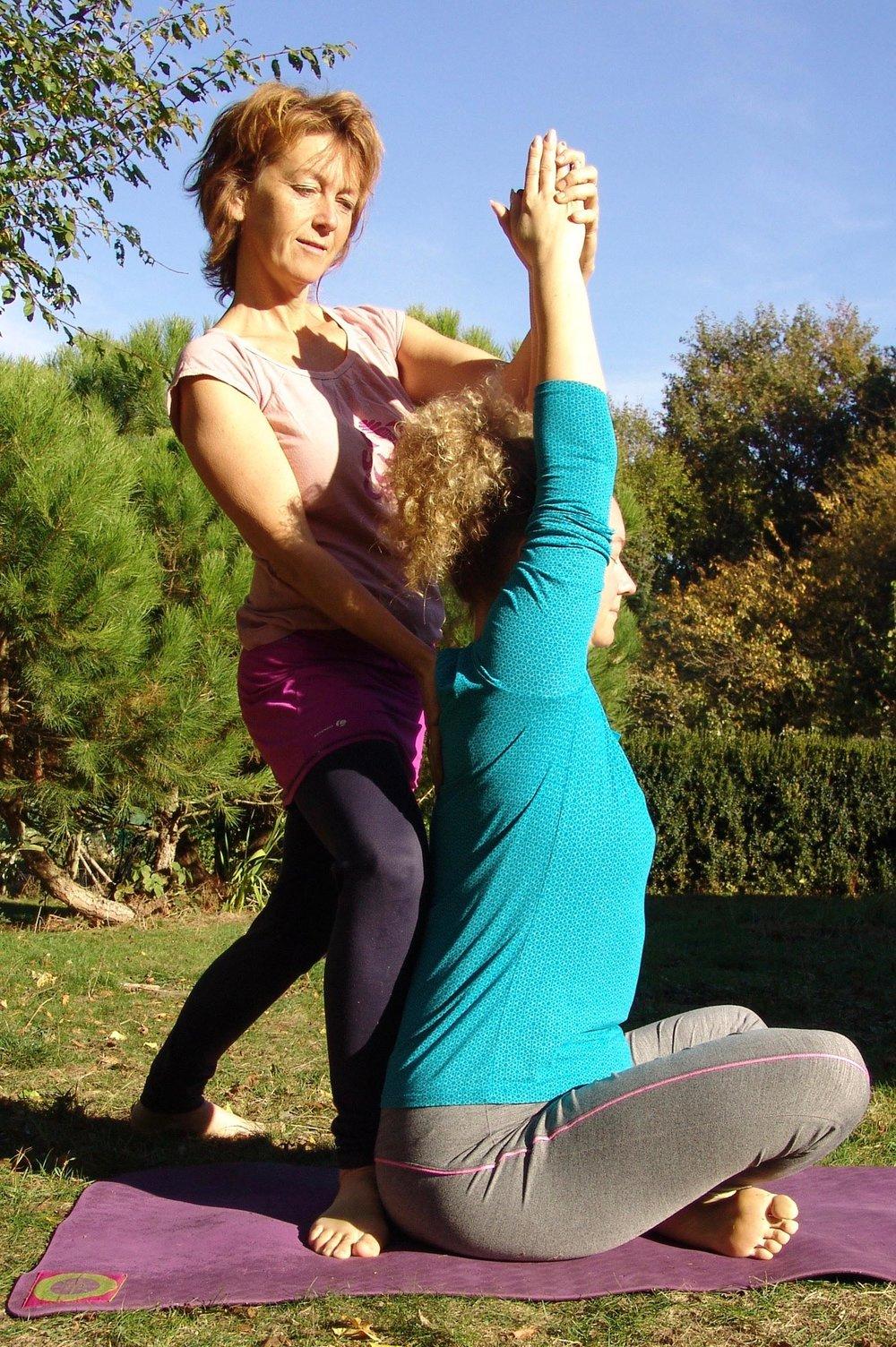 - 11:30 Workshop Yoga et Yogathérapie / Murielle Chobriat Enseignante certifiée en Yoga etYoga-thérapie Agréée FNELY Luxembourg et de la Viniyogathérapie Fondation France