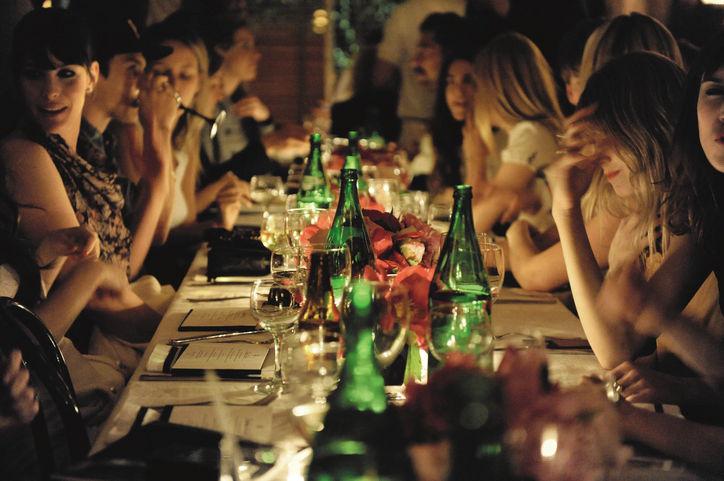 01-friends-dinner-w724.jpg