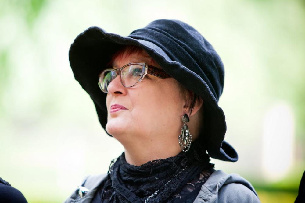 Ihre Ansprechpartnerin: Yvonne Plum