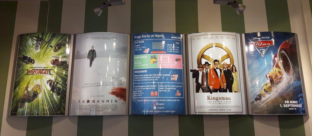 Brygga Kino_plakater og striper.jpg