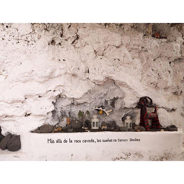 Cuando el arte se mezcla en una casa cueva en #Tufia #grancanaria