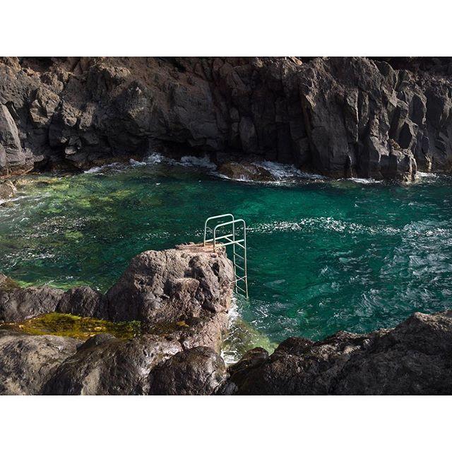 ¿Ganas de baño? Últimos días del verano para disfrutar de la costa afortunada, como en uno de los tesoros de TENERIFE, el Calderón de la Matanza.