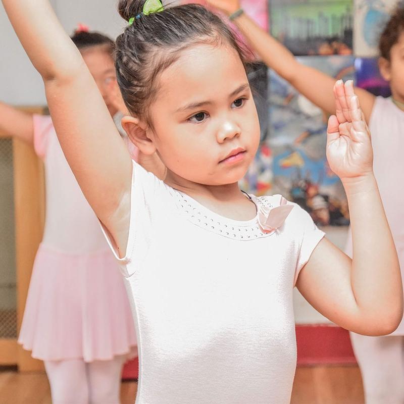 primary-ballet-class-b.jpg