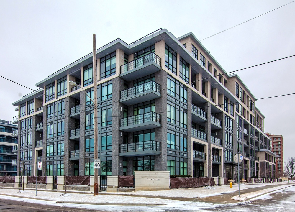 216 - 21 Clairtrell Road, Toronto