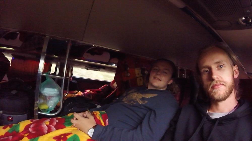 Sleeper buss (27 timmar)