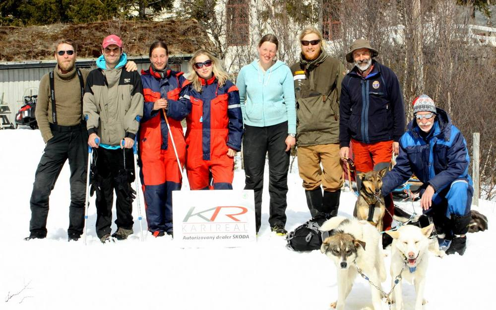overnight_stay_mushing_adventure_spring_snow_dogs_sledding_norway