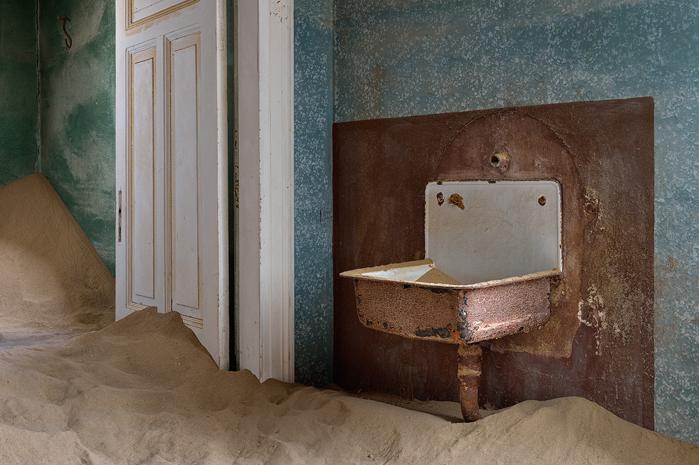 Kolmanskop 03 copy.jpg