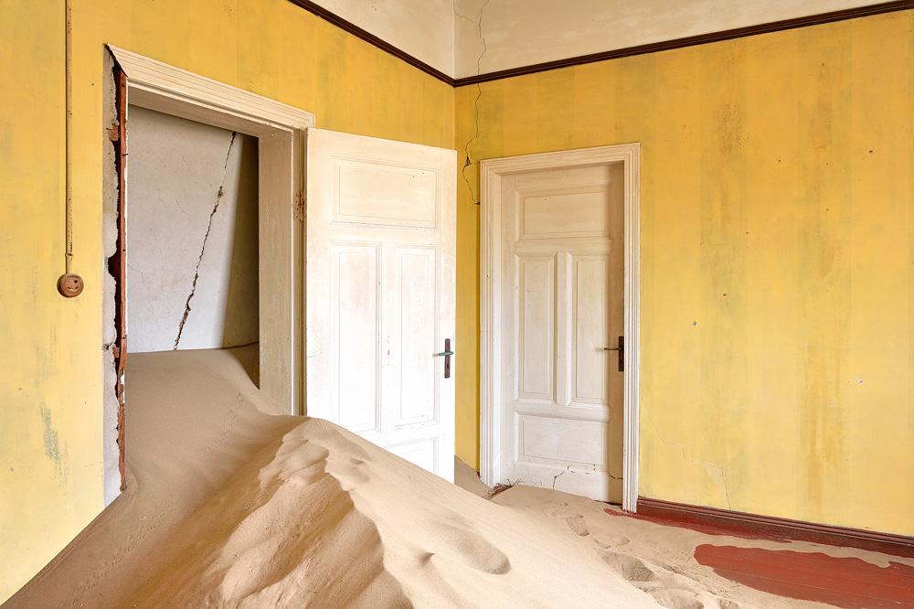 Kolmanskop 10 copy.jpg