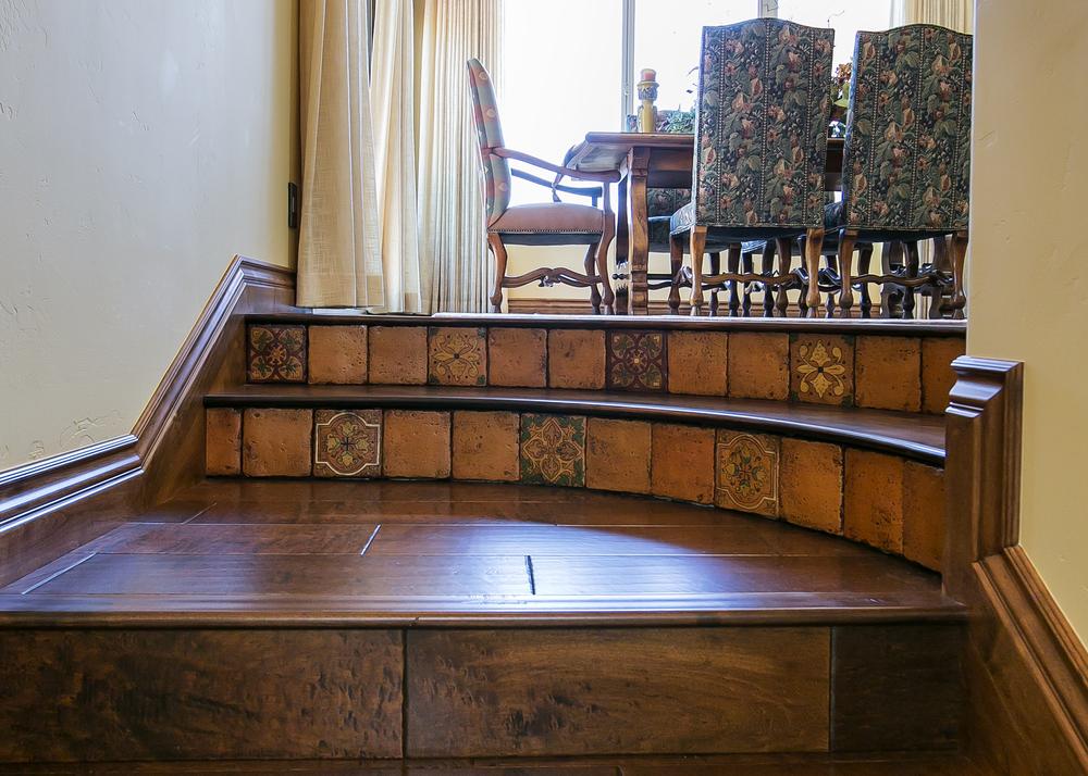 Avila Stairwell 2.jpg