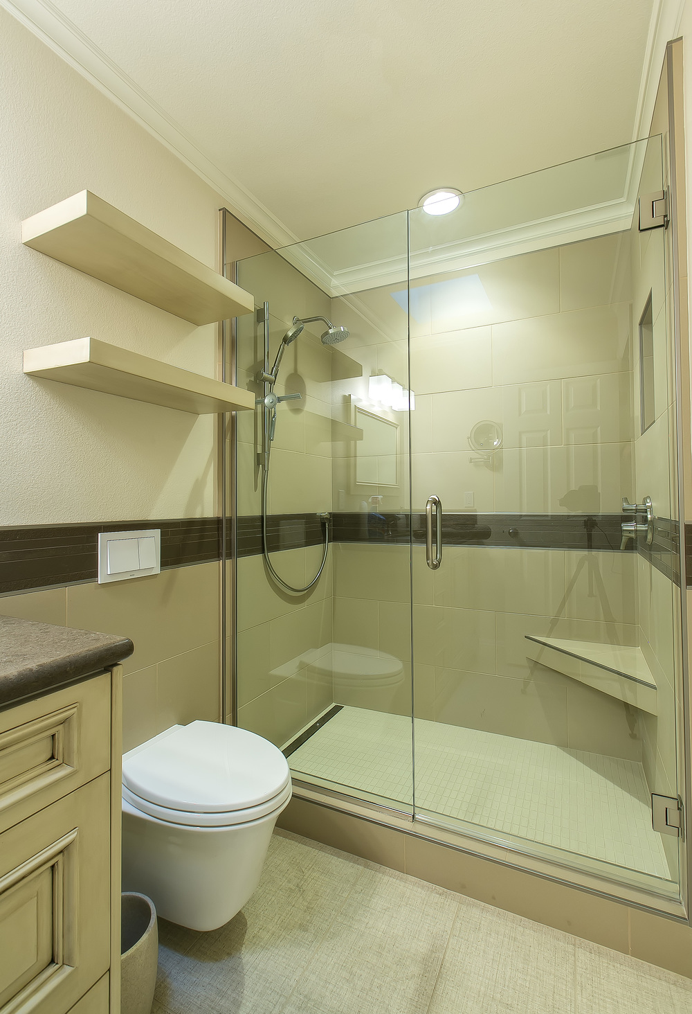 Bolinas bathroom 2.jpg
