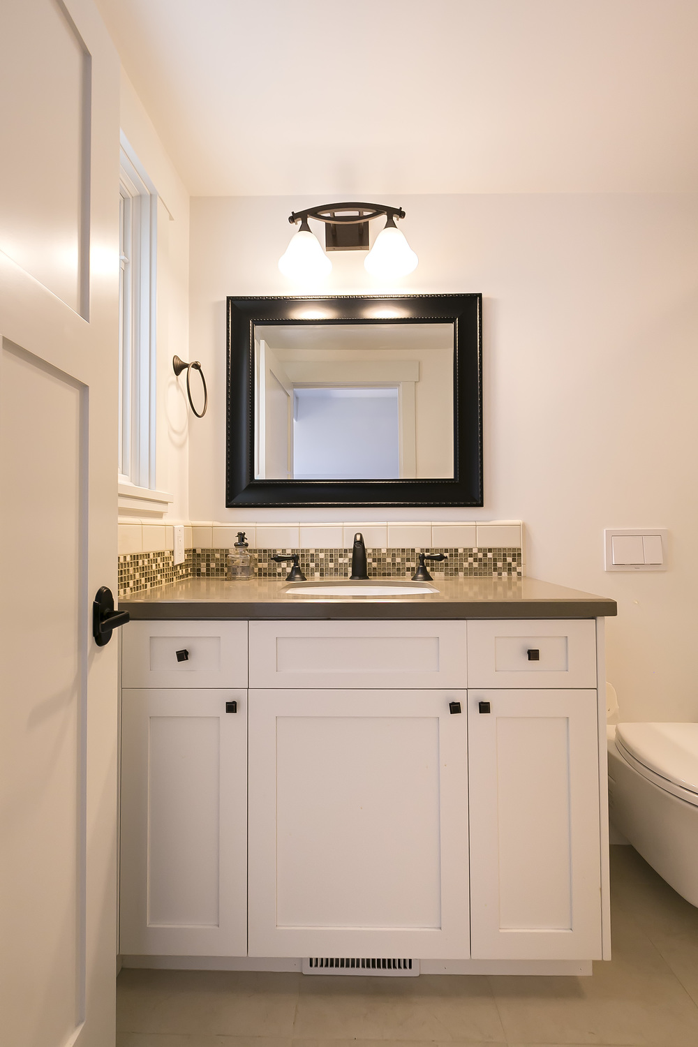 Cayucos bath counter 1.jpg
