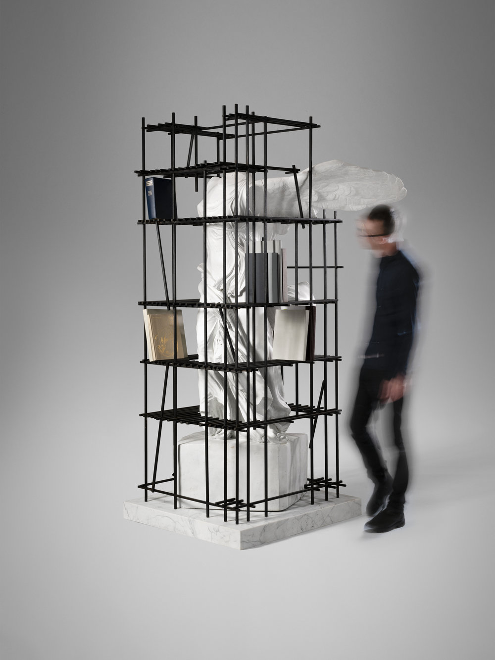 1. SE Etagere 'Antiquity Shelves Nike' 2.jpg