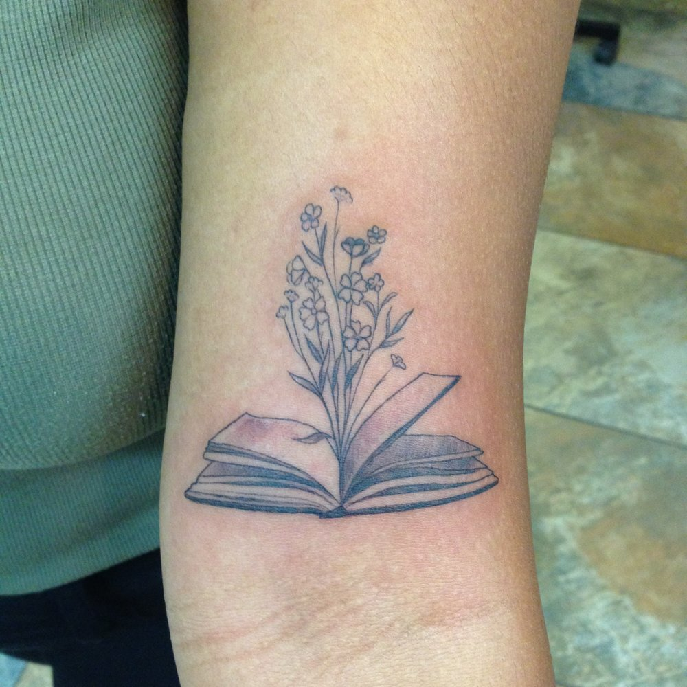 fine line single needle Justin Turkus Philadelphia best tattoo artist book flowers open.jpg