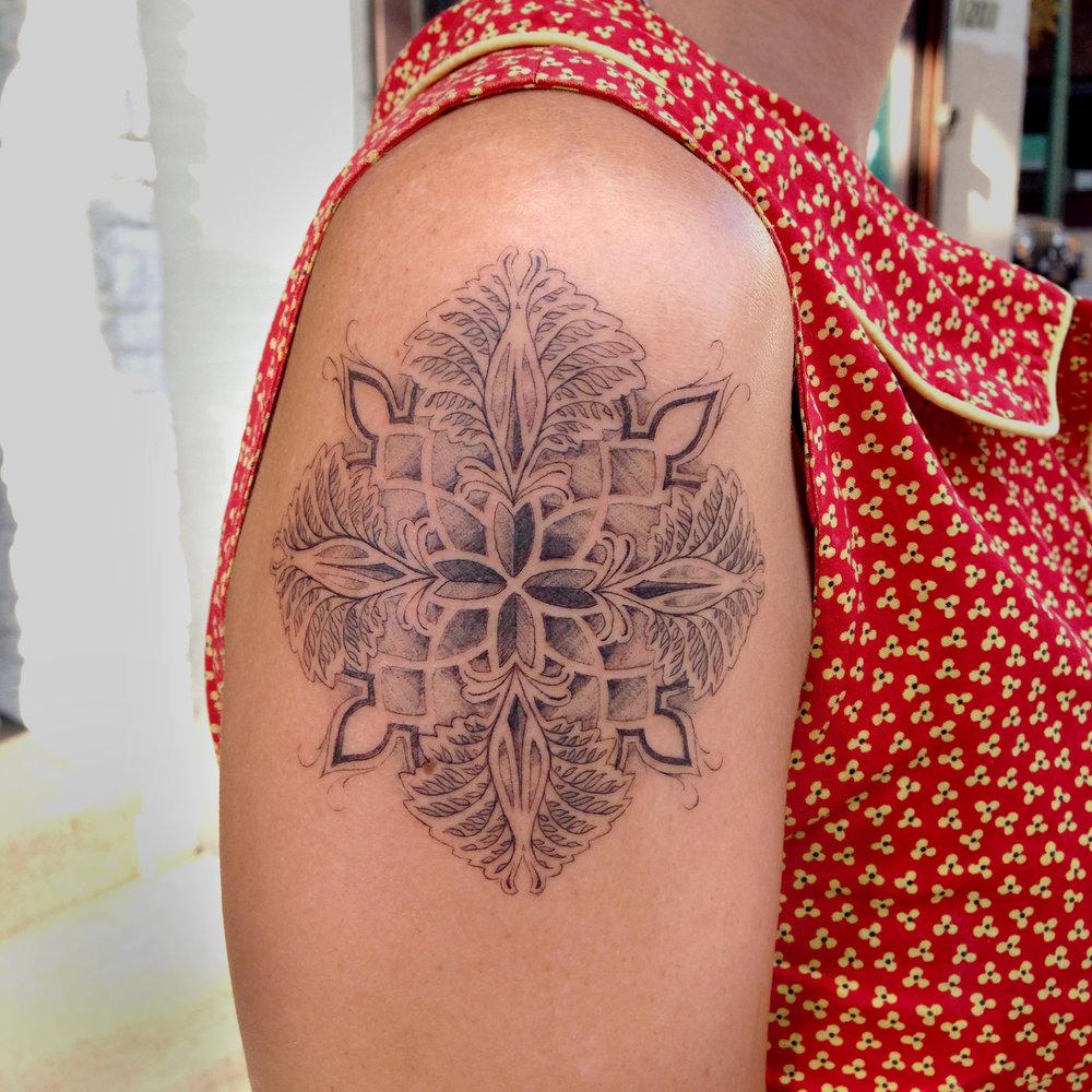 fine line single needle Justin Turkus Philadelphia best tattoo artist compass mandala.jpg