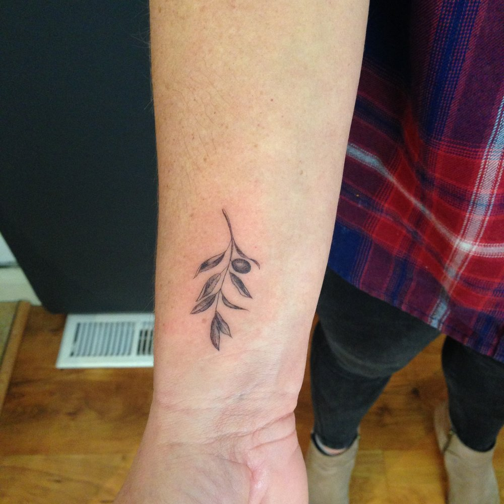 fine line single needle Justin Turkus Philadelphia best tattoo artist olive branch wrist.jpg