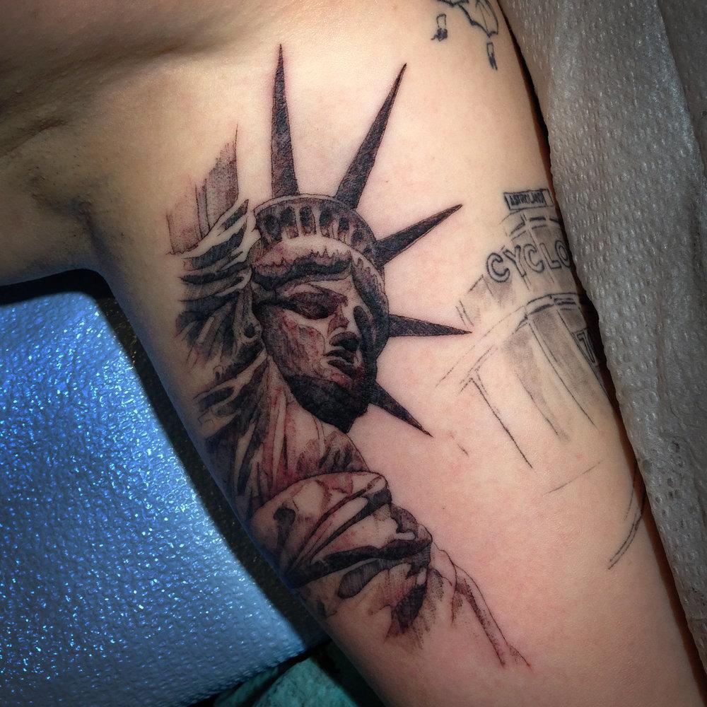 fine line single needle Justin Turkus Philadelphia best tattoo artist statue of liberty.jpg