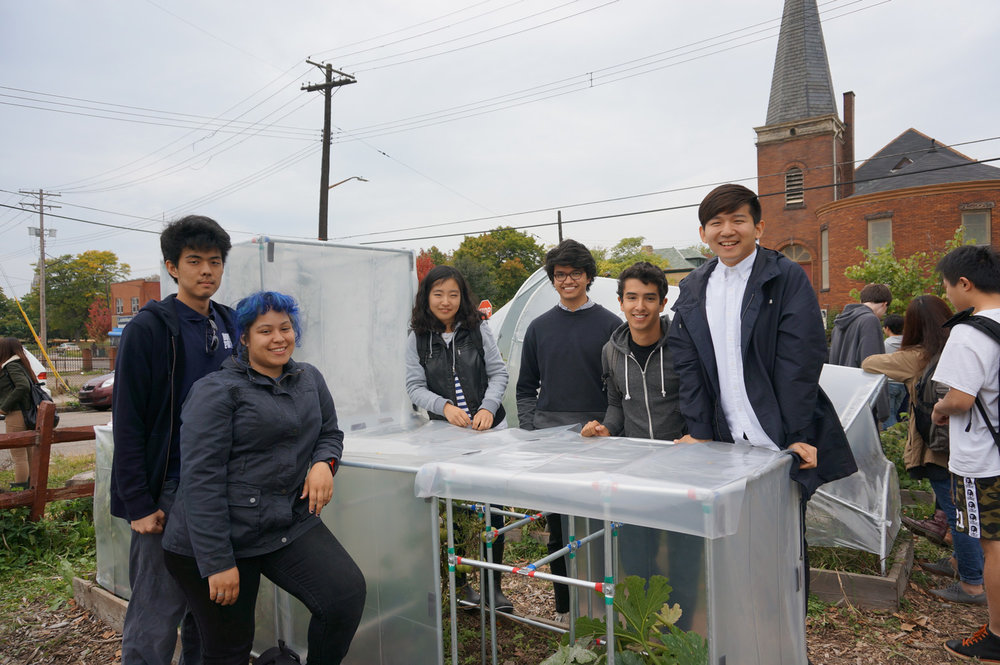 GrowCollective2014_students&hoophouse_optimized.jpg