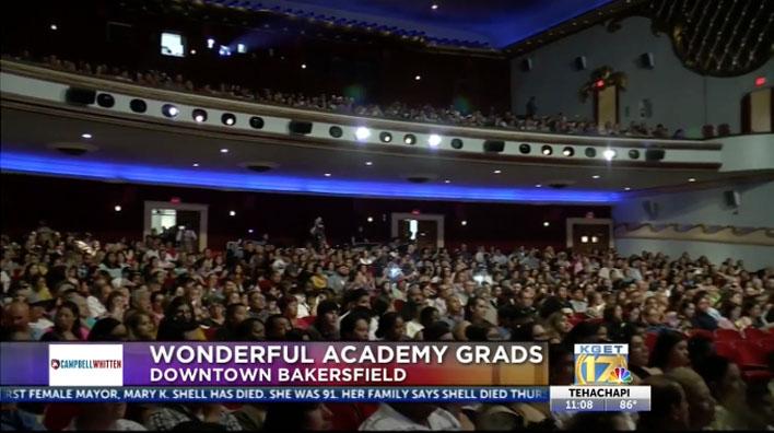 Wonderful College Prep Academy celebra a sus graduados el en Teatro Fox