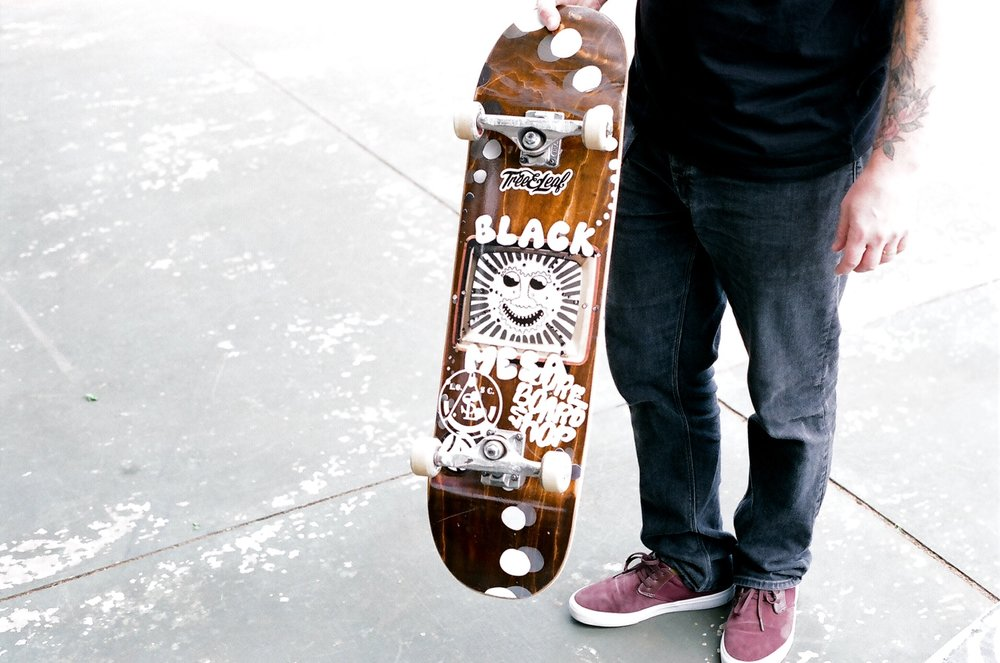 Terry Mathews showing off the new Black Mesa boards that haven't quite made it to shelves yet. Stay tuned. Nice sticker choice by the way.