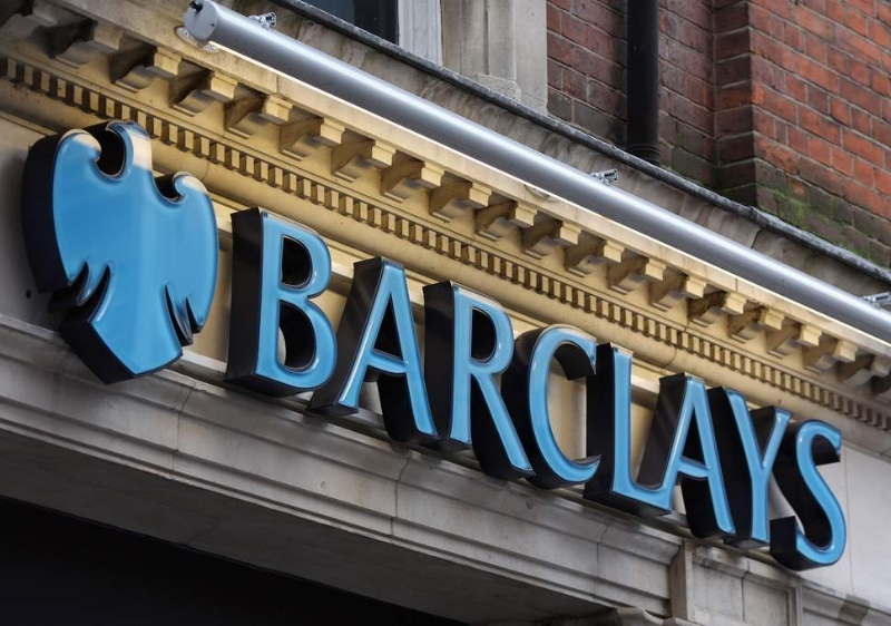 Barclays launches free mobile invoicing for SME clients, as new research reveals the true cost of admin.jpg